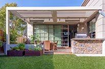 Modern Backyard is High-Tech & Sustainable