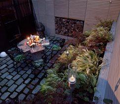 Modern Courtyard Garden