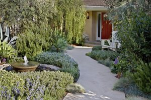 Small Front Yard Design Lighting ALIDA ALDRICH LANDSCAPE DESIGN Santa Barbara, CA
