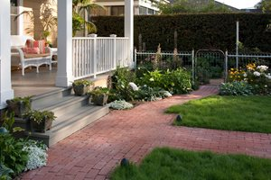 brick path simple brick pattern running bond brick patio grace design associates santa barbara - Patio Brick Designs