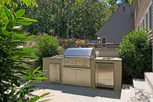 Backyard Small Outdoor Kitchen Barry Block Landscape Design & Contracting East Moriches, NY