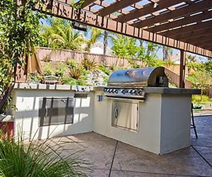 Outdoor Kitchen Location & Placement - Landscaping Network