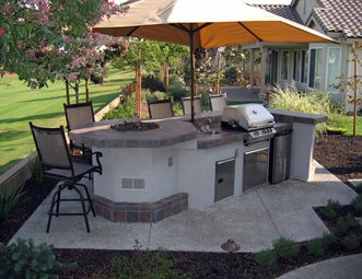 outdoor kitchen fire feature grill shade umbrella outdoor kitchen simple elegance rocklin ca. Interior Design Ideas. Home Design Ideas