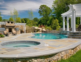 Kidney Pool, Bluestone, Raised Bond Beam Swimming Pool Yard Boss Landscape  Design LLC Mattapoisett