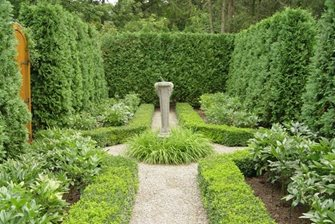 Formal Garden, Hedges, Boxwood, Sundial