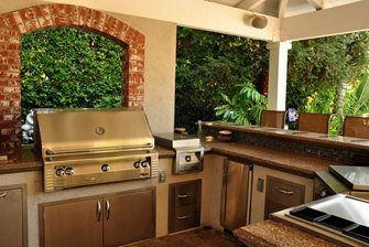 u shaped outdoor kitchen