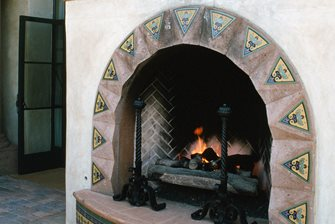 Wood burning outdoor fireplace landscaping network for Spanish style outdoor fireplace