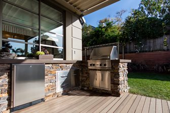 stacked stone outdoor kitchen