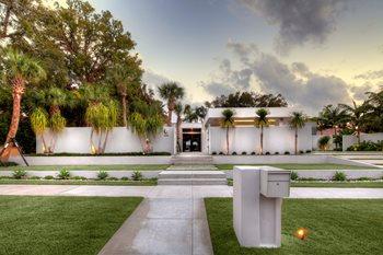 Sarasota Modern Front Yard After Front Yard Landscaping DWY Landscape Architects Sarasota, FL