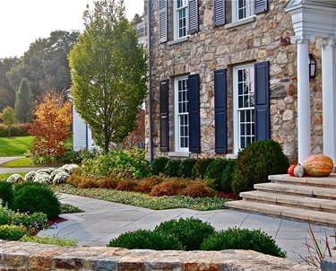 Charmant Formal, Front, Yard, Stone, Wall, Urn, Columns Swimming Pool Liquidscapes