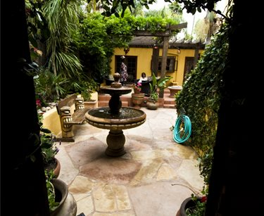 Large Courtyard With Fountain Landscaping Network Calimesa, CA