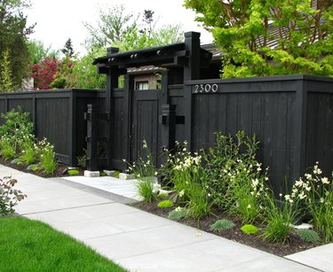 Front Yard Fence, Privacy Fence, Dark Fence Gates and Fencing Stock & Hill Landscapes, Inc Lake Stevens, WA