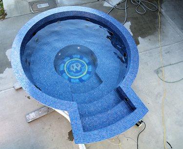 round spa blue tile
