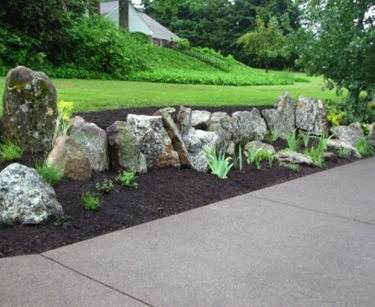 Stone Retaining Wall, Natural Retaining Wall Woody's Custom Landscaping Inc Battle Ground, WA