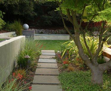 Stucco Wall, Retaining Wall Huettl Landscape Architecture Walnut Creek, CA