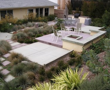 Backyard Entertainment Area Swimming Pool FormLA Landscaping, Inc. Tujunga, CA