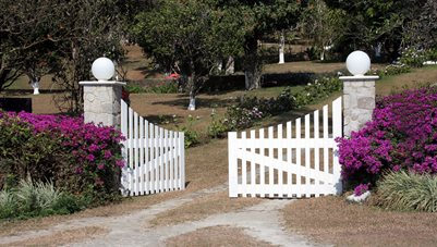 Bi Parting Gate, White Gate Garden Design Landscaping Network Calimesa, CA