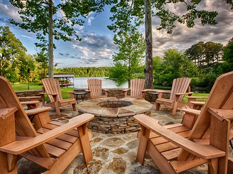 Waterfront landscaping ideas landscaping network for Lakefront landscaping photos