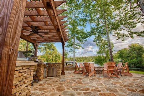 Tuscaloosa Lake Backyard Proscape Inc.  Tuscaloosa, AL