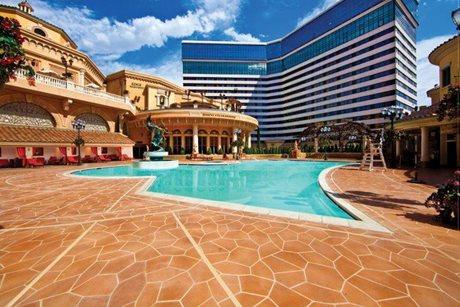 Tuscan Resort Pool Reno