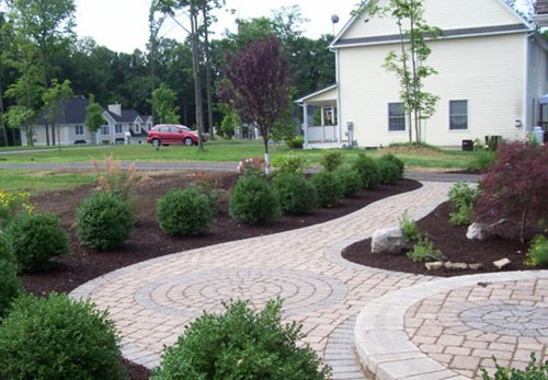 Pavers landscaping network for Paved front garden designs