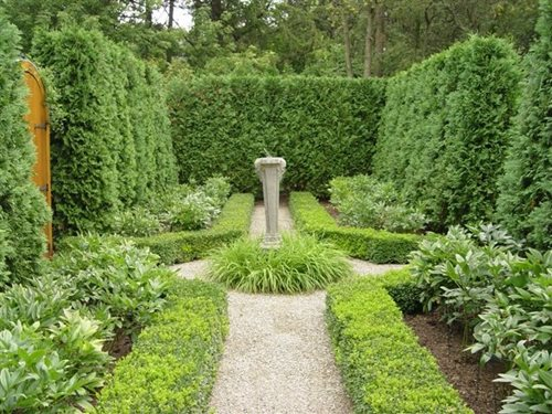 Formal Garden Hedges Boxwood Sundial