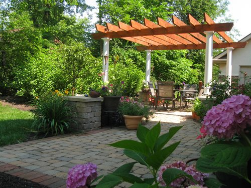 Landscaping dayton landscaping network for Small patio landscaping