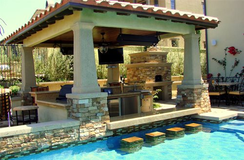 Design great tuscan style backyard landscaping pictures for Pool design with swim up bar