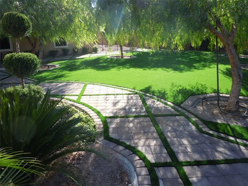 Artificial turf backyard landscaping network for Garden design ideas artificial grass