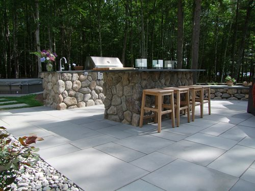 New hampshire lake front landscape landscaping network for Outdoor jacuzzi designs and layouts