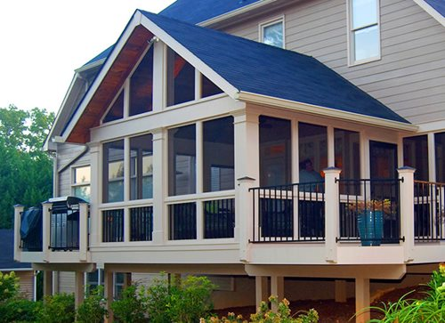 Screened porch ideas landscaping network for Houses with screened in porches