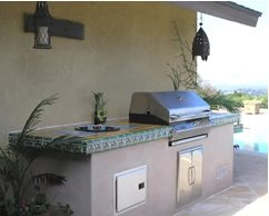 Outdoor cooking in a mexican courtyard landscaping network for Mexican outdoor kitchen designs