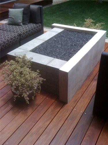 Modern concrete fire pit design tips landscaping network for Concrete fire pit plans