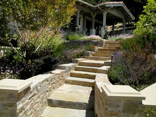 Enchanting Small Garden Landscape Ideas With Stepping Walk: Flagstone Step Designs