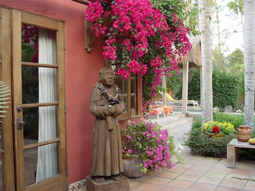 Garden sculpture ideas landscaping network for Garden design ideas in spain