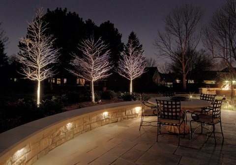 Landscape lighting tips landscaping network for Terrace lighting