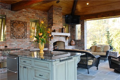 High end outdoor kitchen in louisiana landscaping network for Spanish style outdoor kitchen