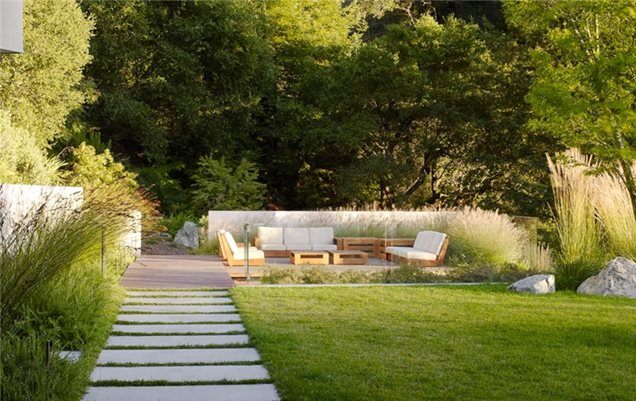 Backyard landscaping monterey ca photo gallery for Modern backyard landscaping