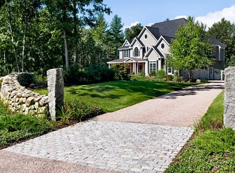 I make this blog small yard landscaping ideas circle drive for Driveway landscape design