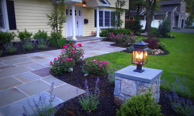 Entryways steps and courtyard massapequa ny photo for Front yard courtyard design