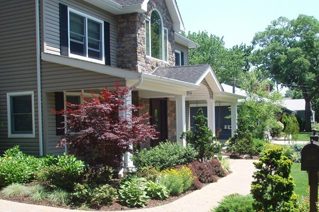 Front yard landscaping plans shrubs pdf for How to plant bushes in front of house