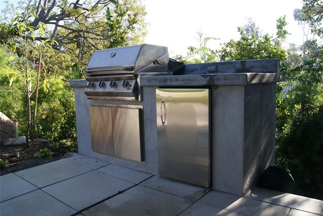 Small Backyard Kitchen Ideas : Small Outdoor KitchenSimple Builtin BarbecuesZ Freedman Landscape