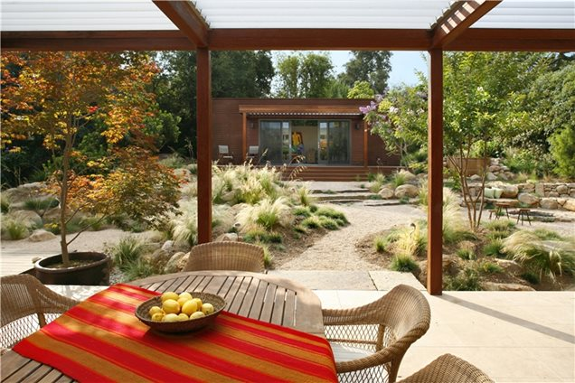 Instant get southern california small front yard for Southern designs