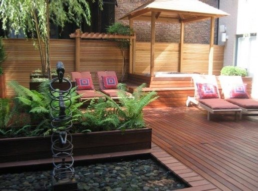 Wood Deck with Hot Tub