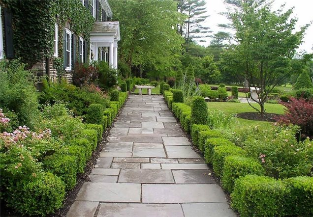 Walkway and path bearsville ny photo gallery for Formal front garden ideas