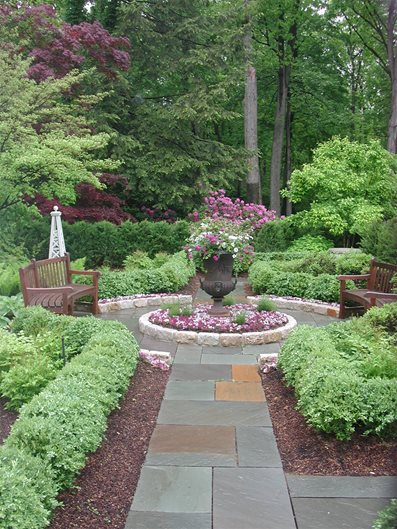 Flagstone Walkway Ideas & Pictures - Landscaping Network