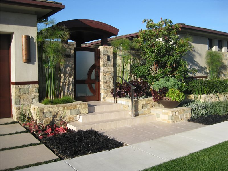 Custom Entry Gate Asian Landscaping David A. Pedersen Landscape Architect Newport Beach, CA
