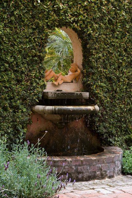 Custom Wall Fountain, Brick Basin Brick Hardscaping Grace Design Associates Santa Barbara, CA