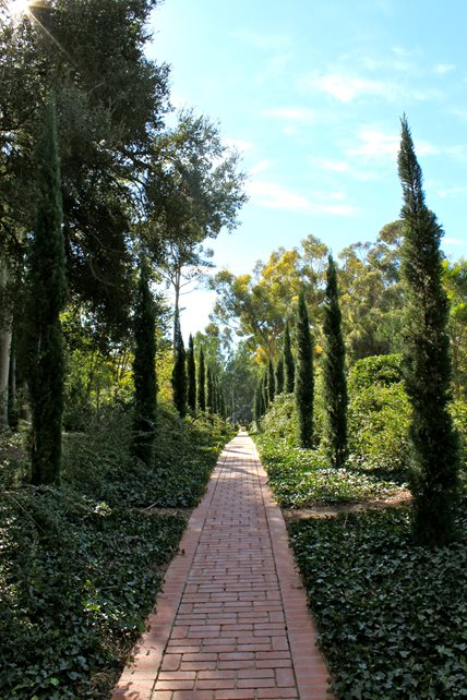 Straight Walkway, Brick Walkway Brick Hardscaping Landscaping Network Calimesa, CA
