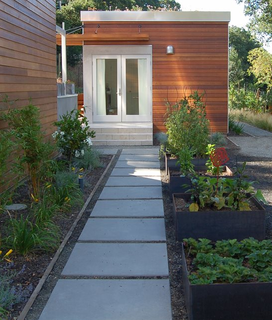 Side Yard, Shade Concrete Walkway Huettl Landscape Architecture Walnut Creek, CA